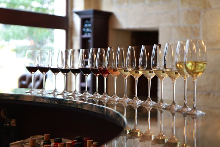 French_wine_tasting_course_Paris_school_wine
