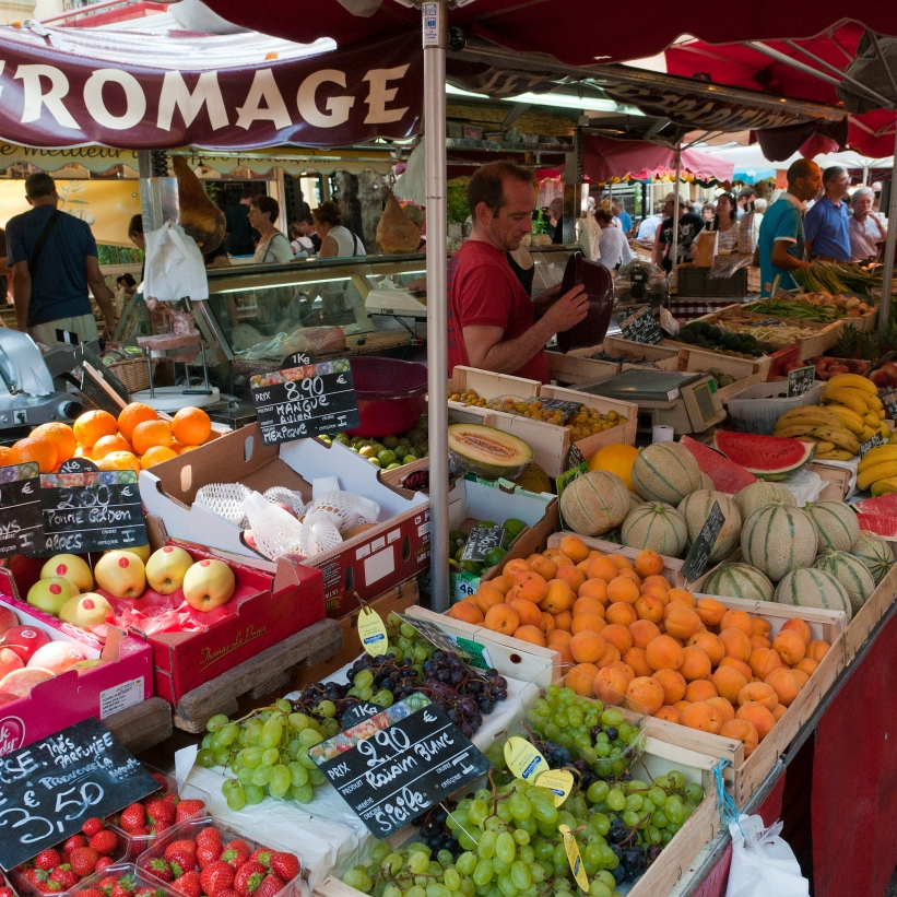 market_in_aix-en-provence,_france_(6053041300)